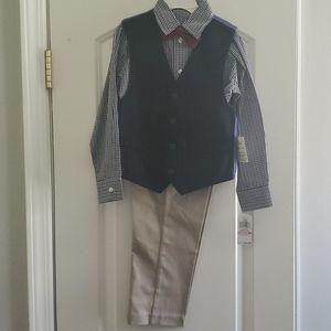Nautica 4 piece suit.